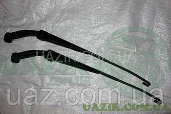 Повідець (важіль склоочисника) УАЗ 3160, Патріот кривий 380мм, з гачком 2штуки