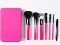 Компактный набор кистей для макияжа в металлическом кейсе (7 шт)