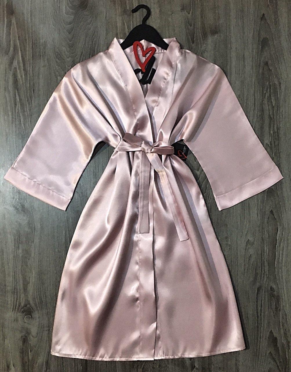 Атласный халат пудрового цвета, женская одежда размер 46-48