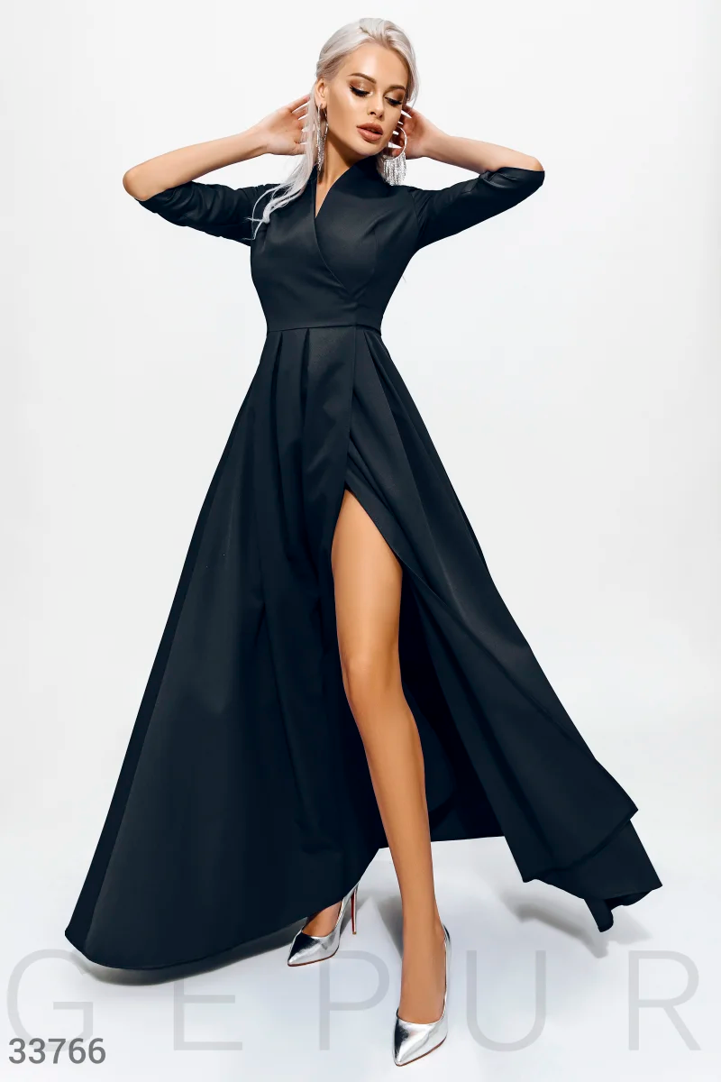 Длинное платье на запах с боковым вырезом черного цвета