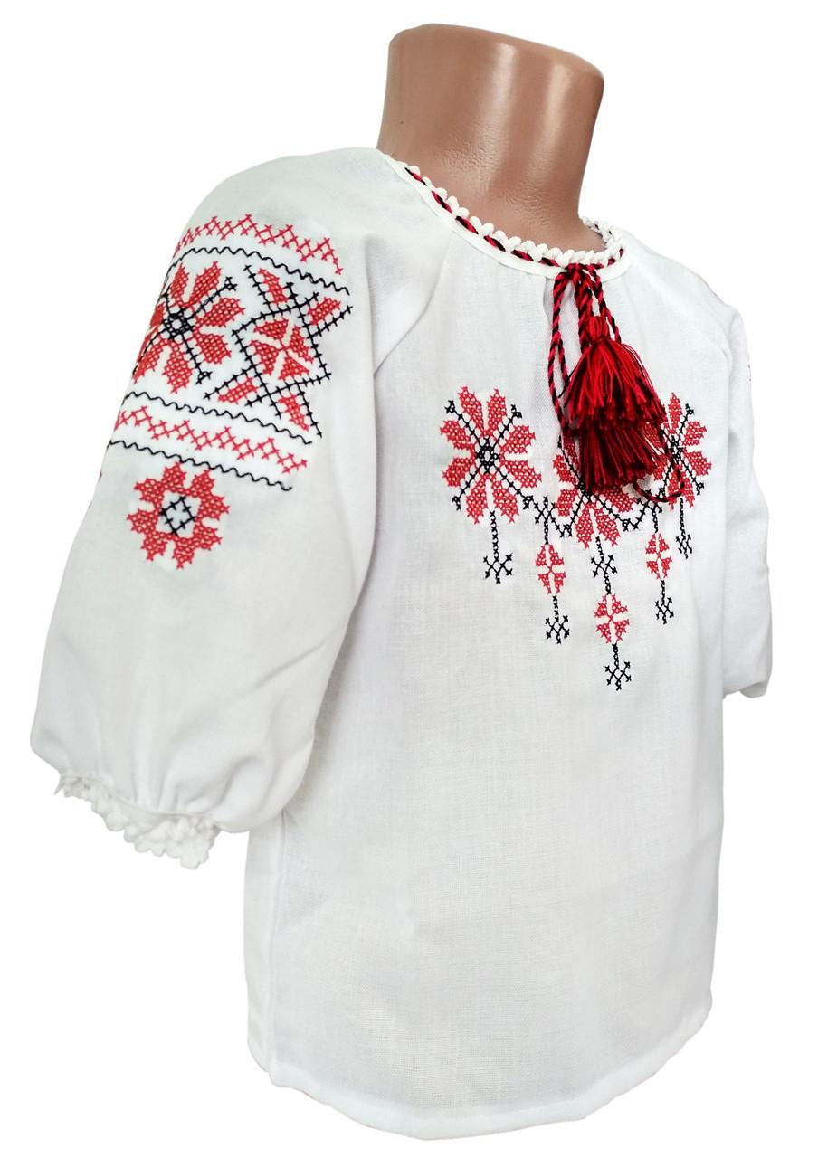 Вышитая детская рубашка с домотканого полотна с геометрическим орнаментом