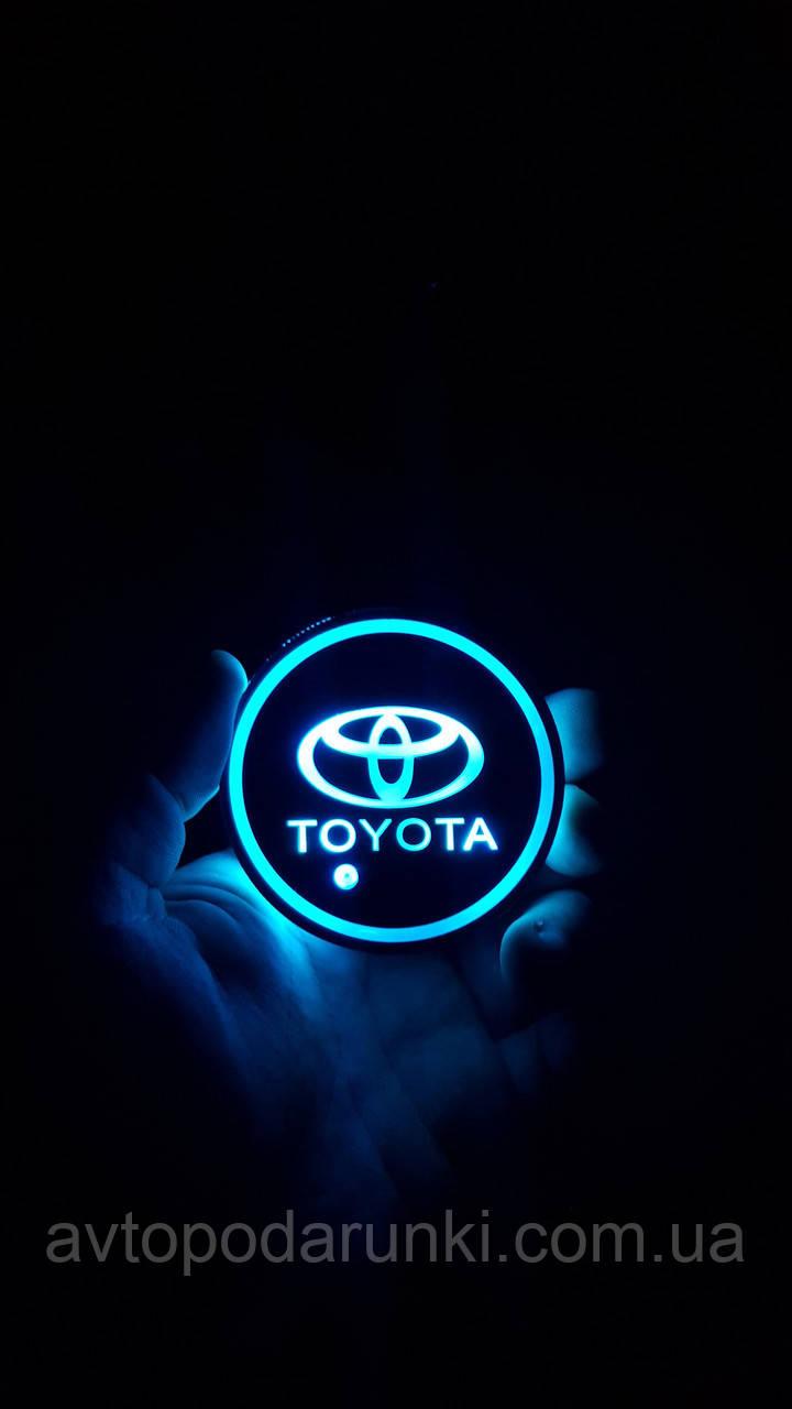RGB Подсветка подстаканника с логотипом TOYOTA