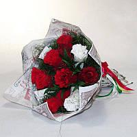 Букет из конфет Розы 11 красно-белые 4149IT