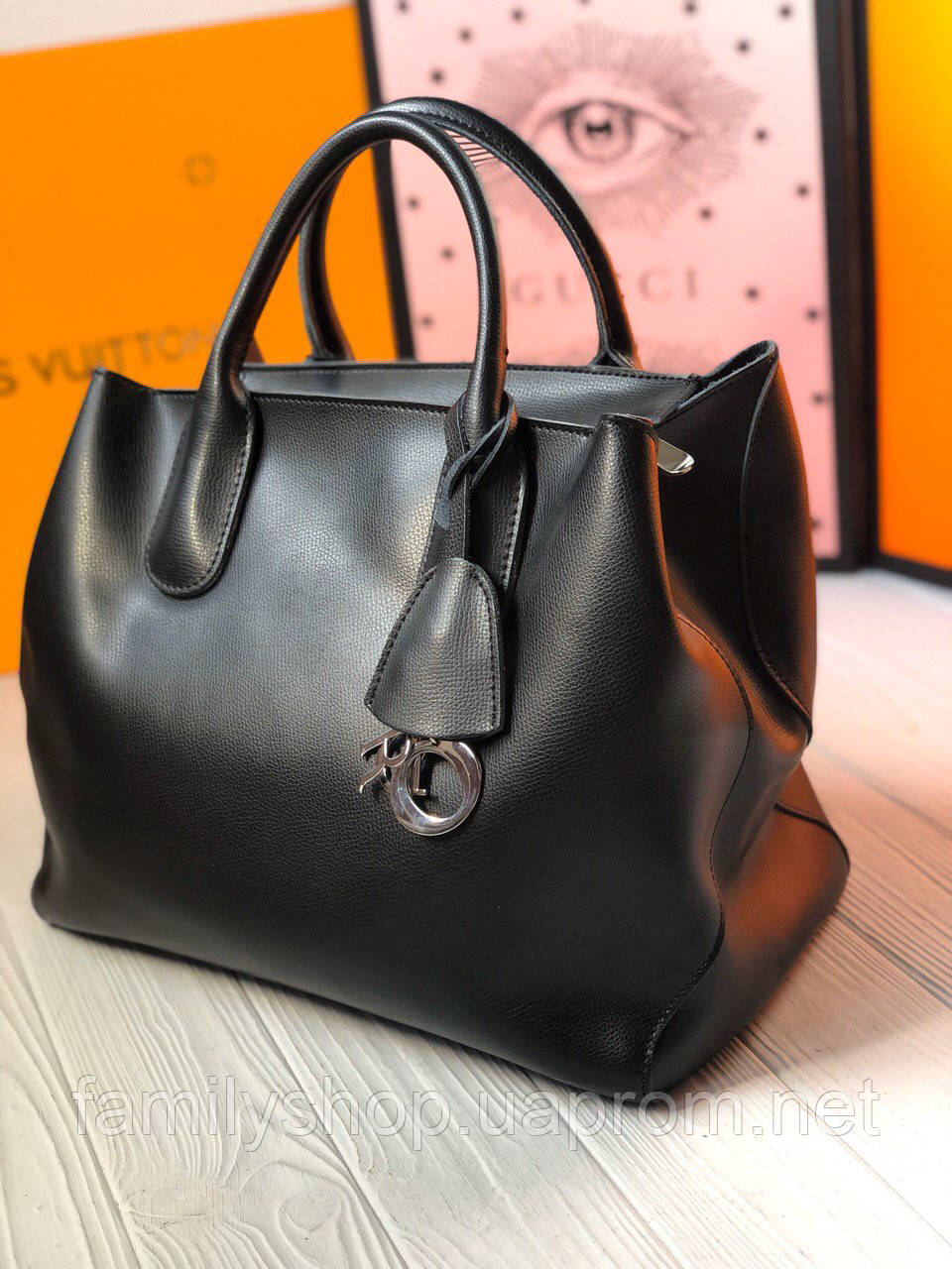 Брендовая кожаная женская сумка от Dior