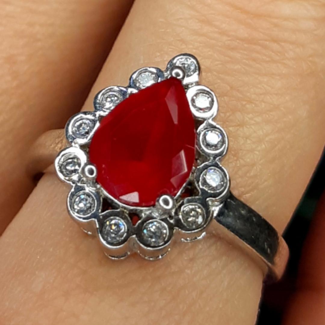 """Серебряное кольцо с красным фианитом """"рубин"""" - Женское серебряное кольцо с красным камнем"""