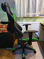 Геймерское кресло HEXTER ML.jpg