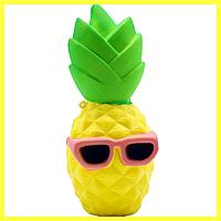 Сквыши маленькие: единорг, ананас,недовольный гризли, рожок, клубника, мопс, зуб, зубная паста, лимон, картошк