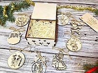 """Набор деревянных новогодних игрушек """"Символ 2020 года (№1)"""" в коробочке 9 шт Светлое дерево, фото 3"""