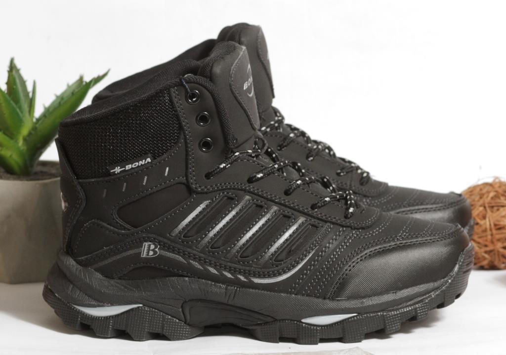 0368 Спортивные ботинки BONA из натуральной кожи, с мехом. Черные. 38 размер - стелька 24,5 см