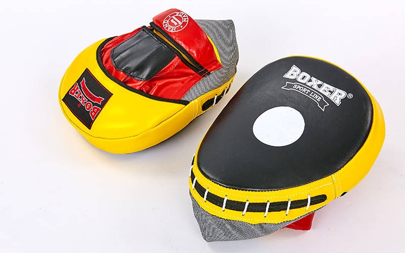 Лапы боксерские Изогнутые кожаная (2шт) BOXER (23х19х4,5см) красный 2012-01