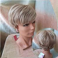 Короткий парик из термоволокна медово-платиновый RG4400-27ТТ613С
