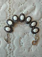 Нежный,модный браслет с натуральных камней (перламутр в мельхиоре)