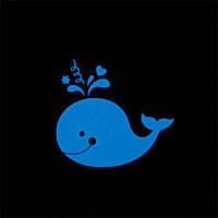 Наклейки на выключатель светящиеся в темноте Кит светится голубым