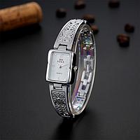 Женские наручные часы с серебристым браслетом код 509
