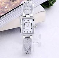 Женские наручные часы с серебристым браслетом код 510