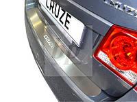 Защитная хром накладка на задний бампер (планка без загиба) Chevrolet Cruze 4D (шевроле круз седан 2008+)