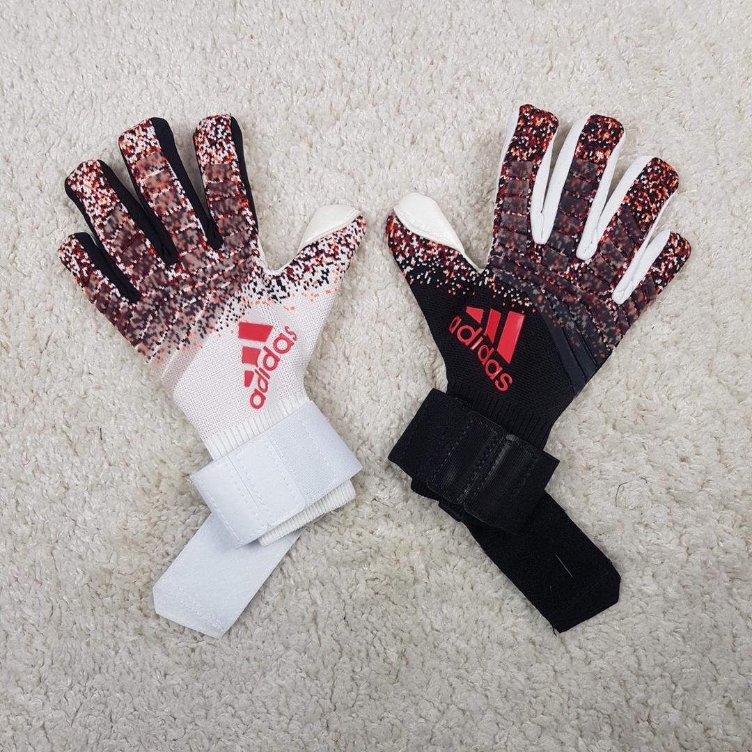 Вратарские перчатки Predator Pro черно-белые replica