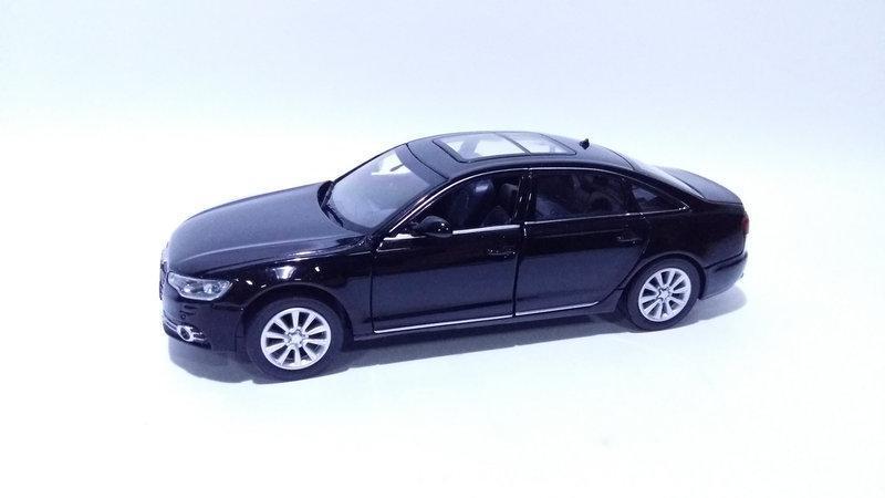 Коллекционная машинка Audi A6 масштаб 1:32