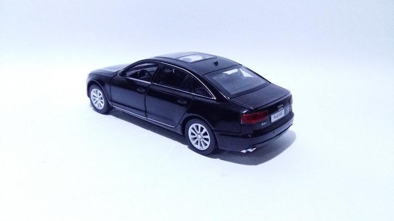 Коллекционная машинка Audi A6 масштаб 1:32 6