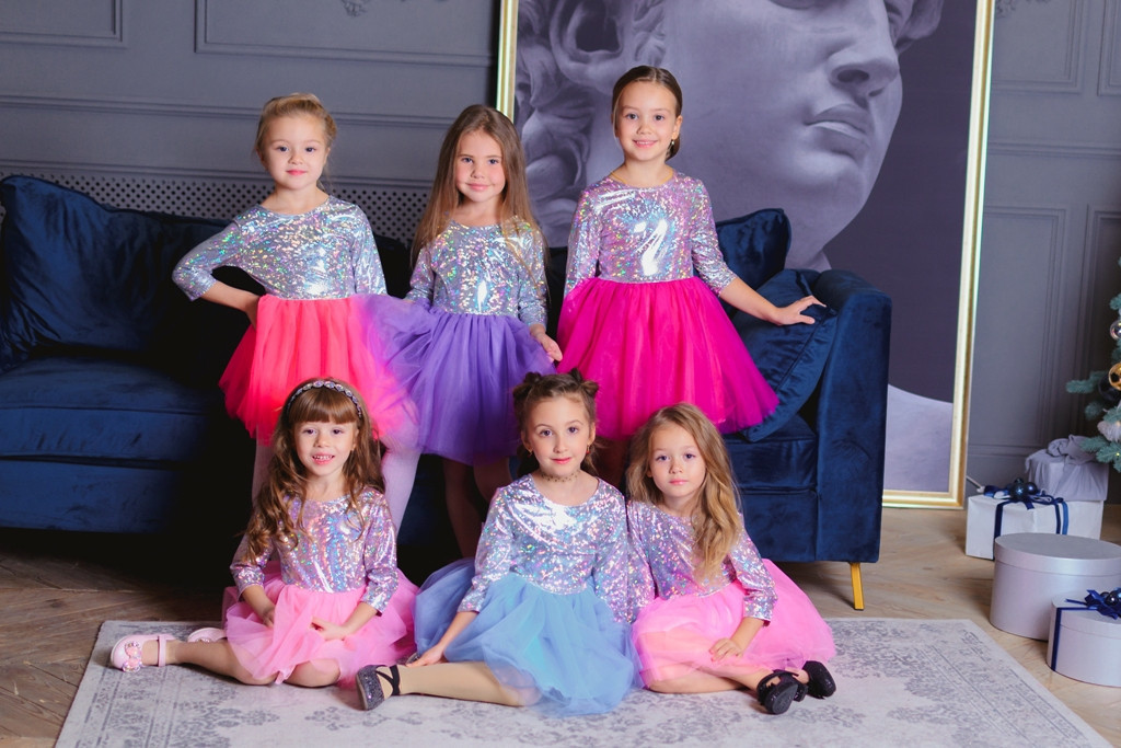 Платья детские нарядные  с пышной юбкой