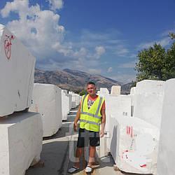 Мраморные блоки белые, из Греции.