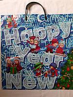 Цветной полиэтиленовый пакет с пластиковой навесной ручкой 37*40 см Новый год белый