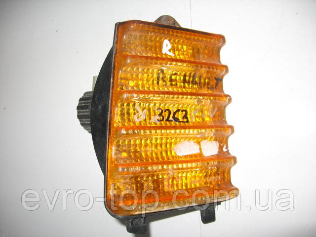 Указатель поворотов правый б/у на Renault Master 1 год 1980-1998