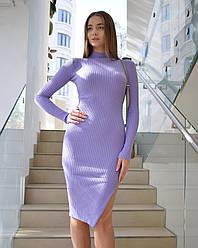 Трикотажное платье с разрезом сбоку