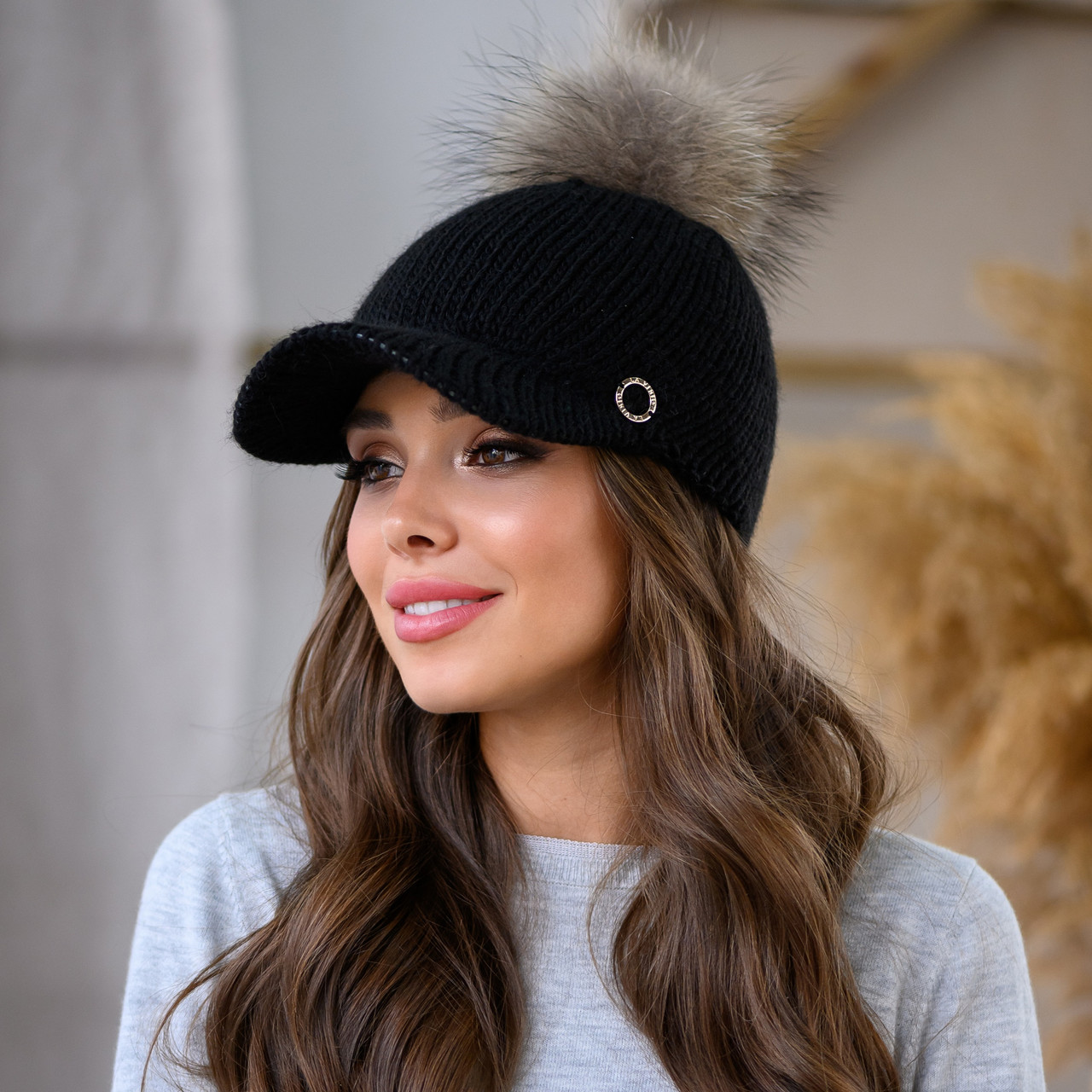 Женская шерстяная кепка с балабоном пряжа,50%шерсти, 50% акрил