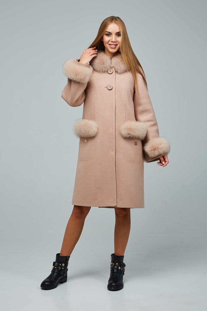 Зимове пальто з злегка розкльошеними рукавами-реглан, натуральне хутро на кишенях і рукавах з 44 по 54 розмір