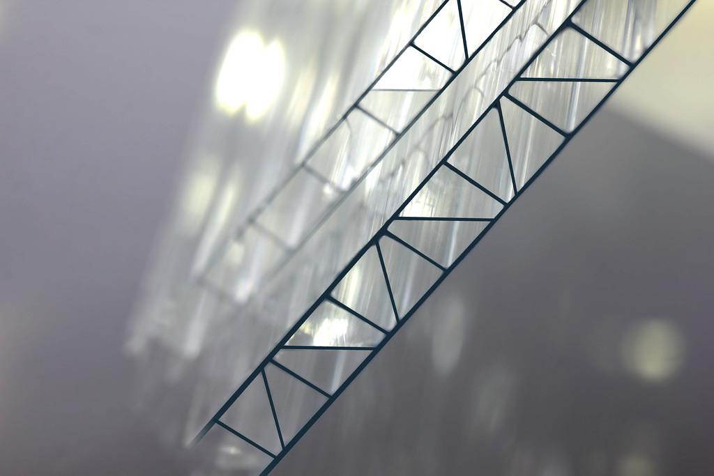Поликарбонат сотовый CARBOGLASS Premium 4 мм усиленный