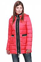 Молодежная зимняя куртка модного кроя с капюшоном
