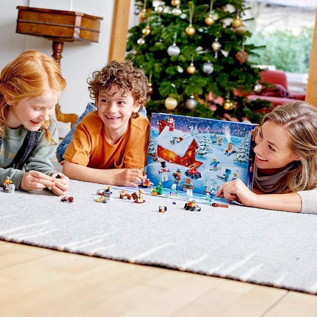 Новогодний календарь LEGO Адвент календар 60235