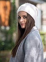 Стильная светло-розовая женская зимняя шапка вязаная пудра