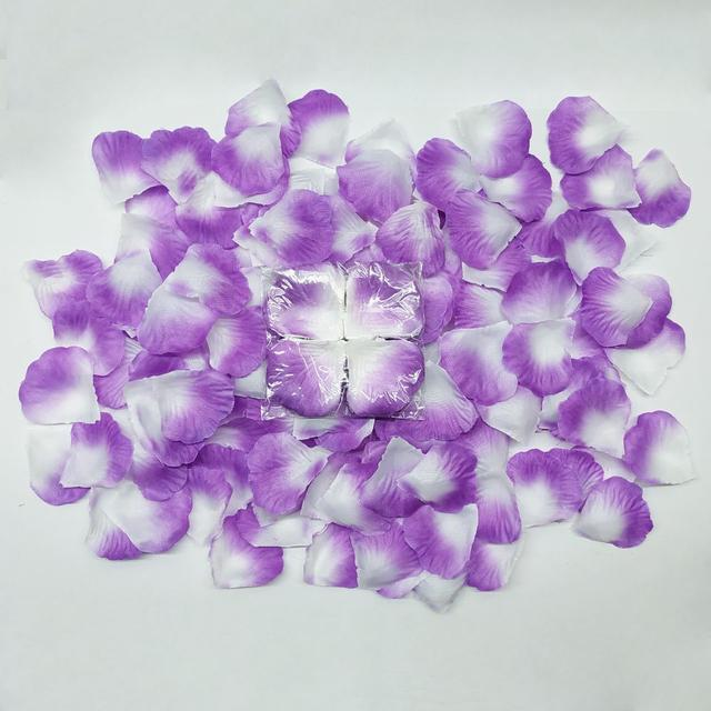Искусственные лепестки бело-фиолетовые