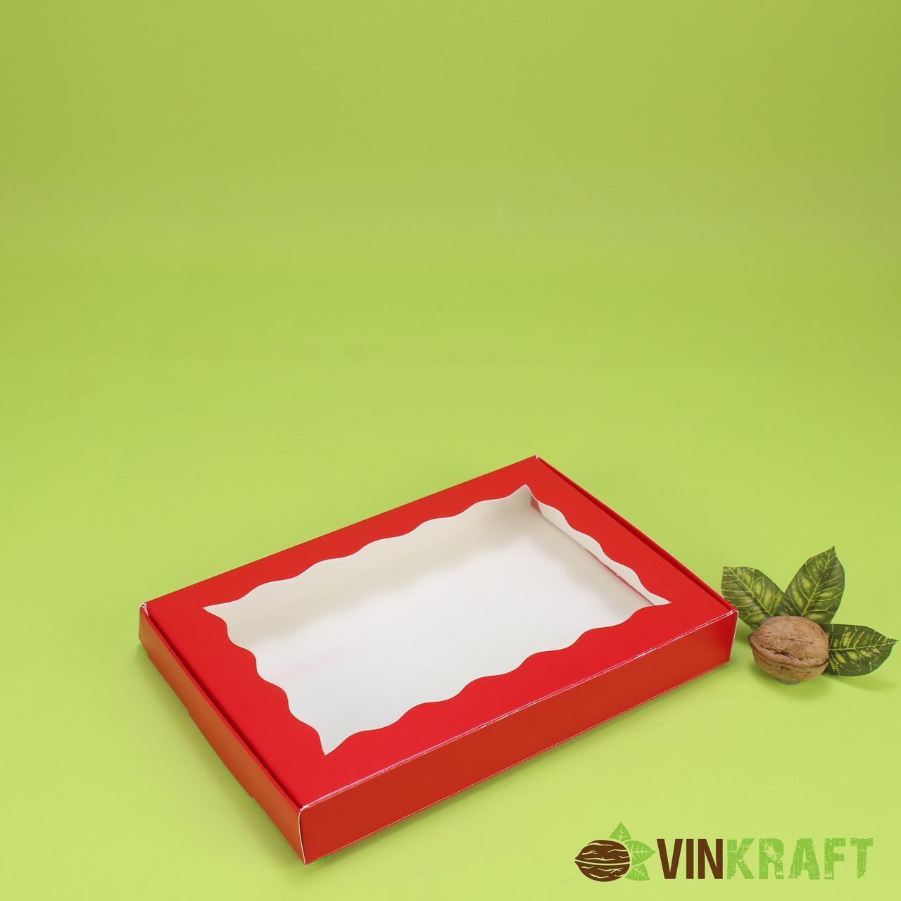 Коробка 220*150*30 для пряника с волнистым окном, красная