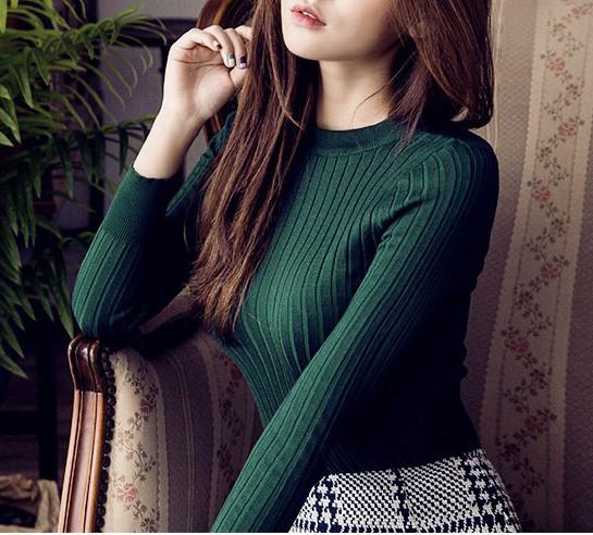 Женский свитер в рубчик бутылка