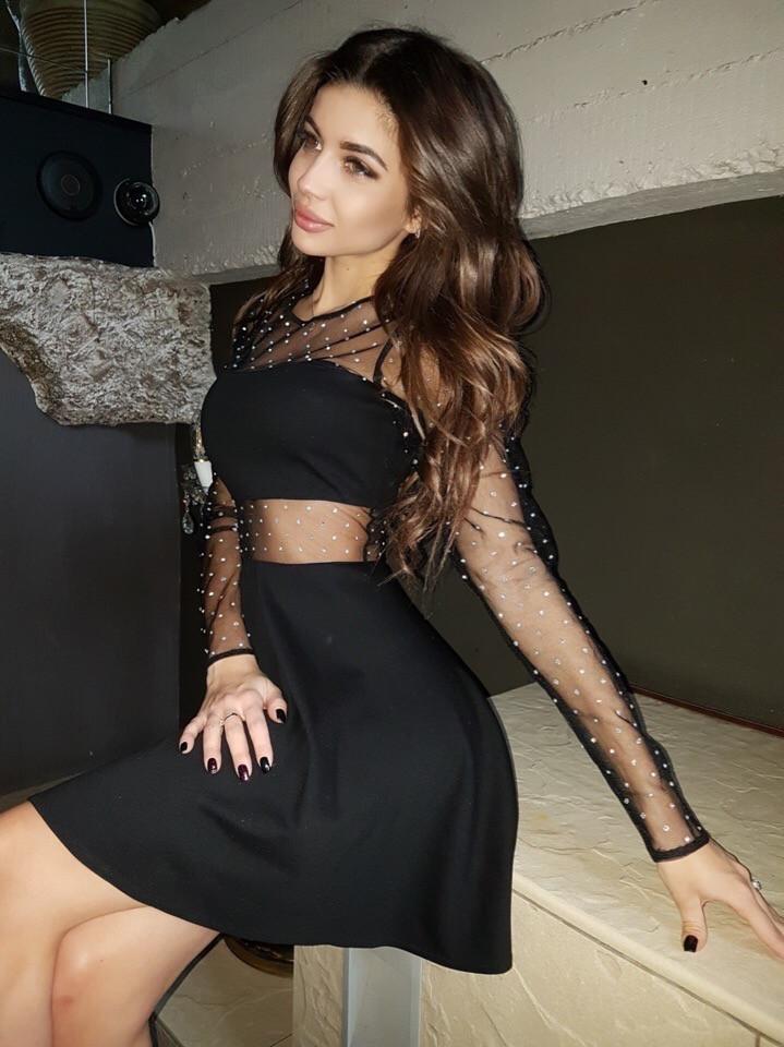 Черное платье с пышной юбкой и вставками сетки на талии и груди vN5224