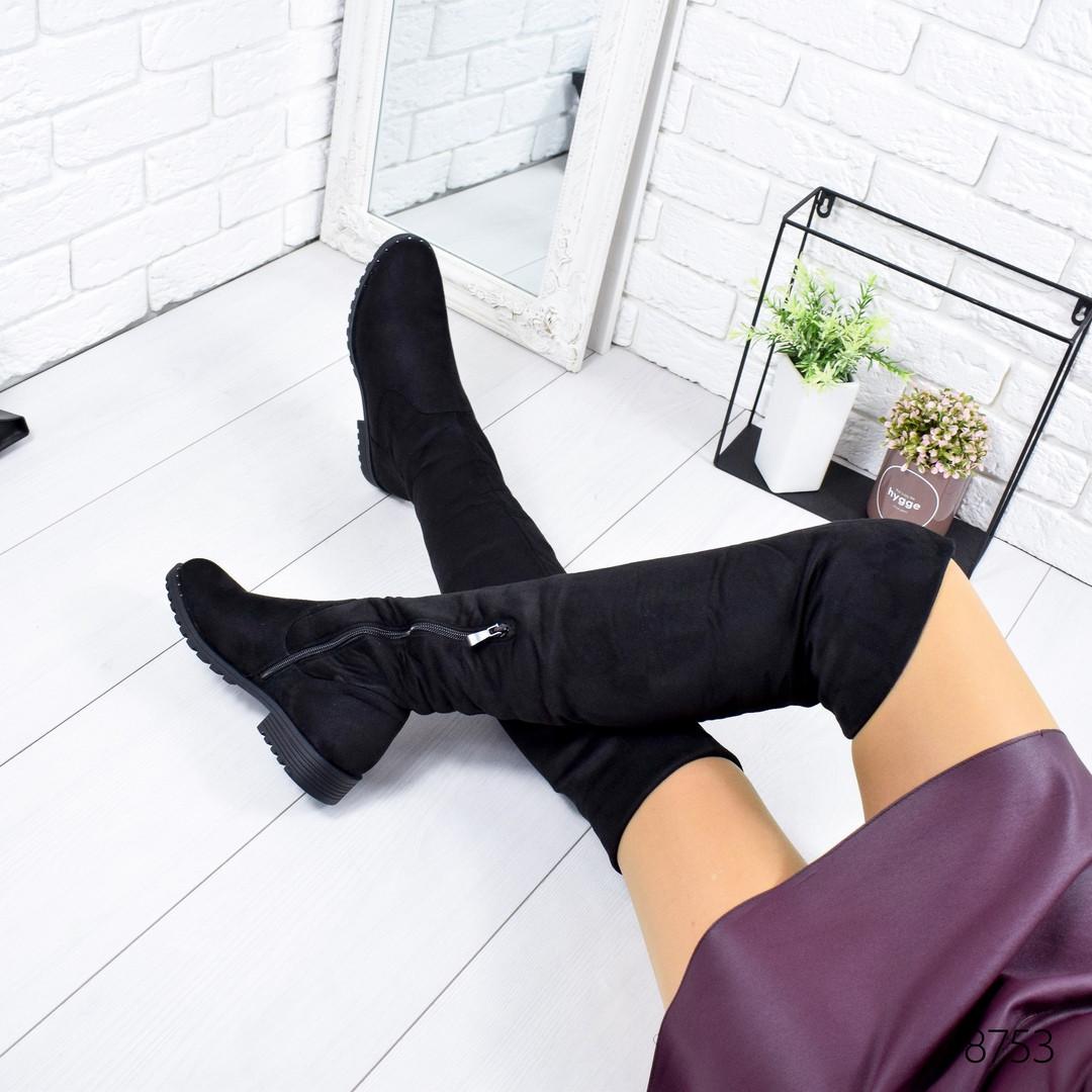 Женские зимние замшевые сапоги ботфорты на низком ходу черные