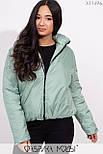 Короткая демисезонная куртка в больших размерах на молнии с воротником стойкой vN5360, фото 4