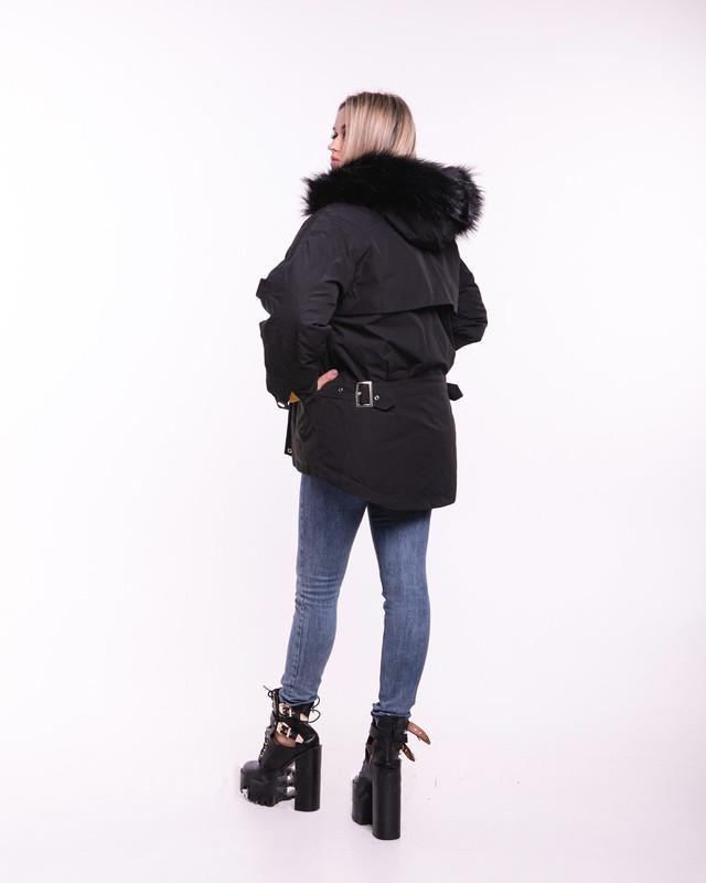 Фото-1 Куртки зимней женской теплой Гильза