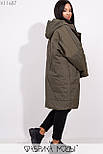 Плащевое женское пальто оверсайз в больших размерах с капюшоном и карманами vN5371, фото 7