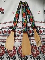 Деревянная кухонный набор лопатка, ложка, вилка/Wooden kitchen set spatula, spoon, fork.