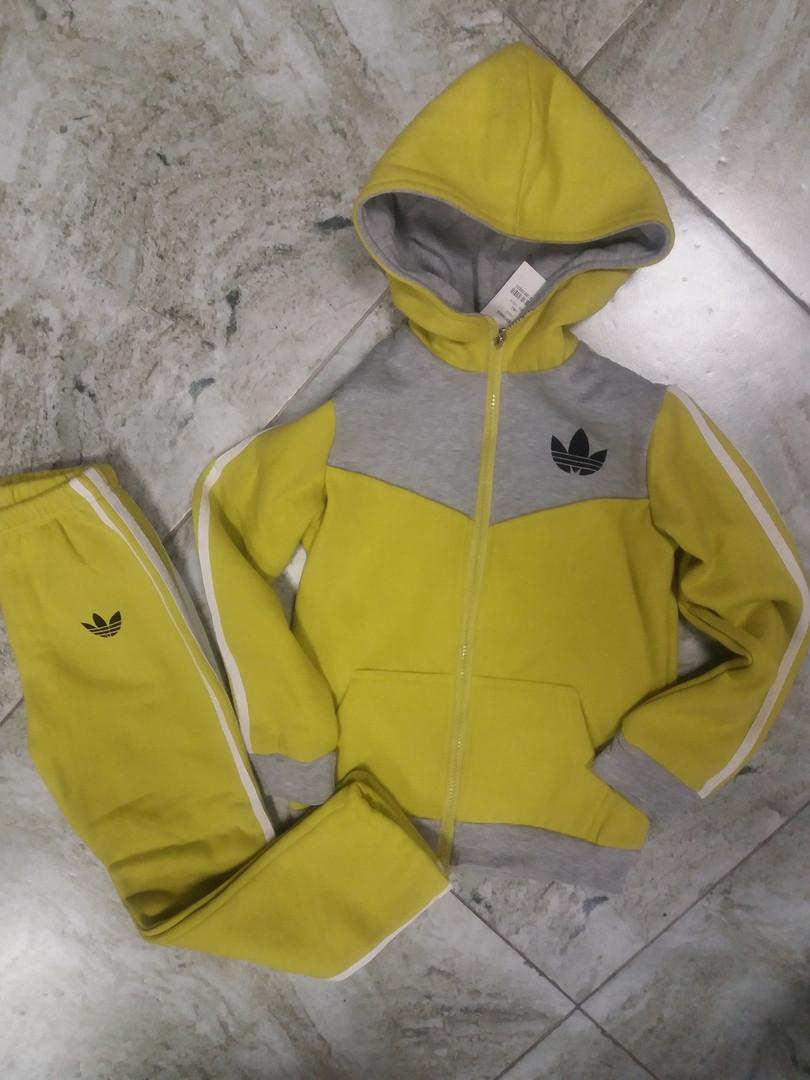 Теплый костюм  на деток 128- 134 см желтый
