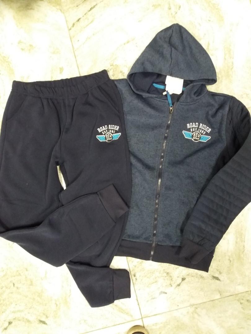 Теплый спортивный костюм  на подростка  цвет темно синий 164 см