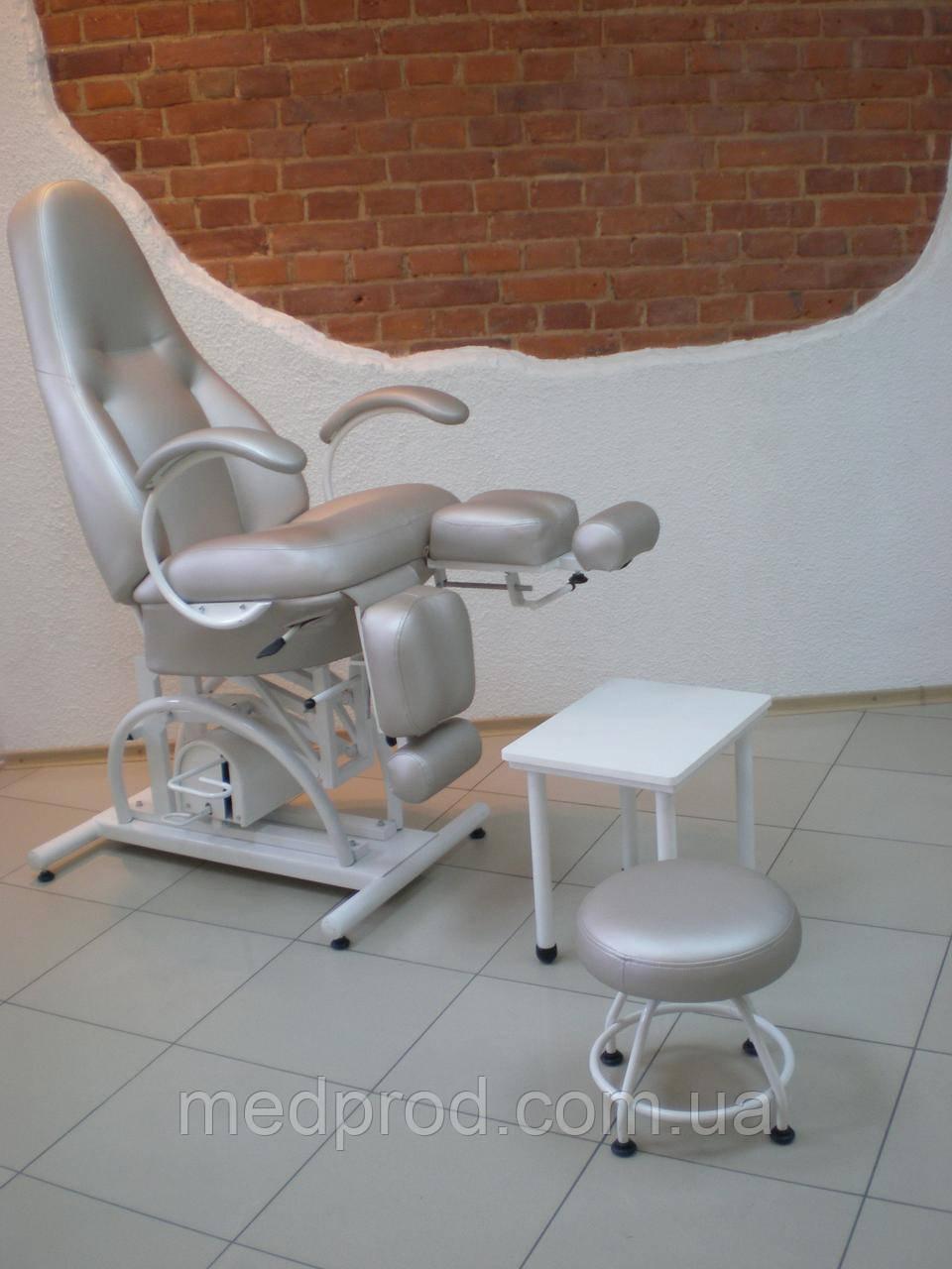 Кресло педикюрное КП-5РГ гидравлика с регулируемыми пуфиками для ног и подставкой для ванночки