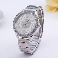 Женские серебряные  стильные часы с камнями