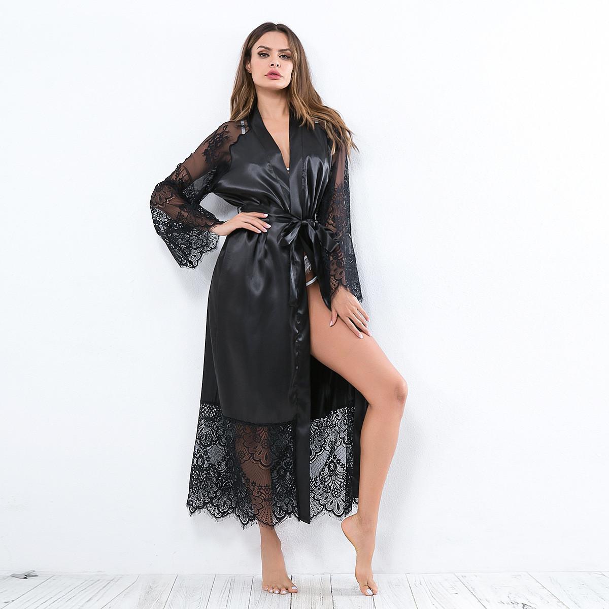 Длинный атласный халат