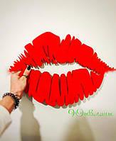 Картина из дерева  Lips