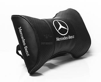 Подушки на подголовник с логотипом автомобиля Mercedes (Чёрный цвет)